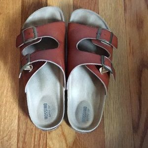 Brown leathered sandals